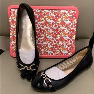 Women's Tommy Hilfiger Black Flat Shoes New Size 9